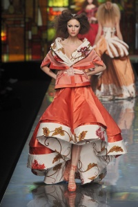 One look from the Galliano for Dior Spring 2009 Couture collection