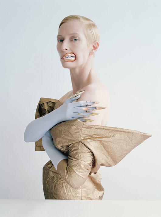 Vera Wang Collection dress; Vicki Beamon lips and fingertips; Cornelia James gloves.
