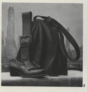 Vogue 19420715_31