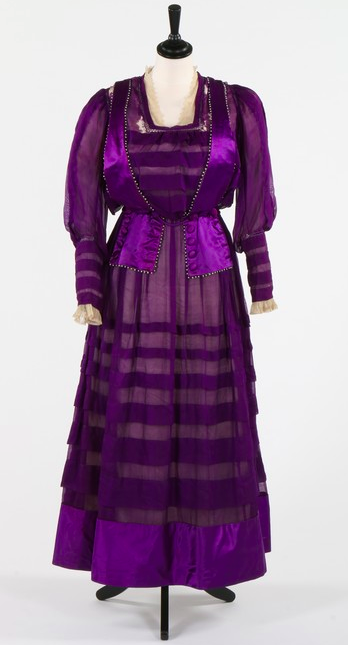 Lot 99 : A purple chiffon and satin suffragette or mourning gown circa 1914-18.