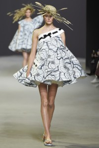 Viktor & Rolf Spring 2015 Couture Collection, photo via Style.com
