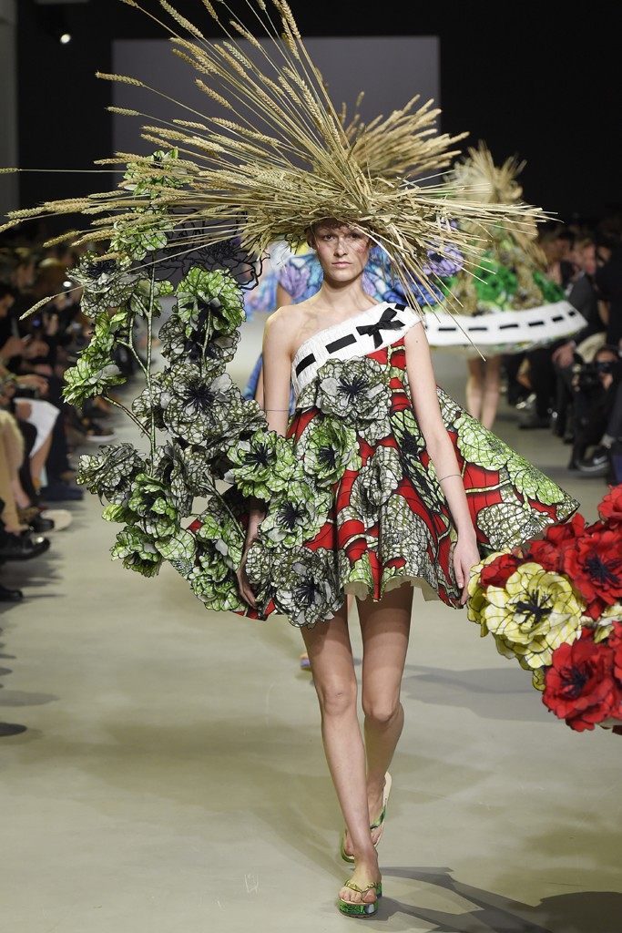 Viktor Rolf Leave Rtw Behind And Take Fashion Design Back To Its Roots The Art Of Dress