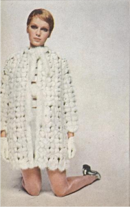 Vogue 19670801_76_mink coat