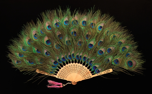 Folding fan, circa 1915 in the collection of the MET
