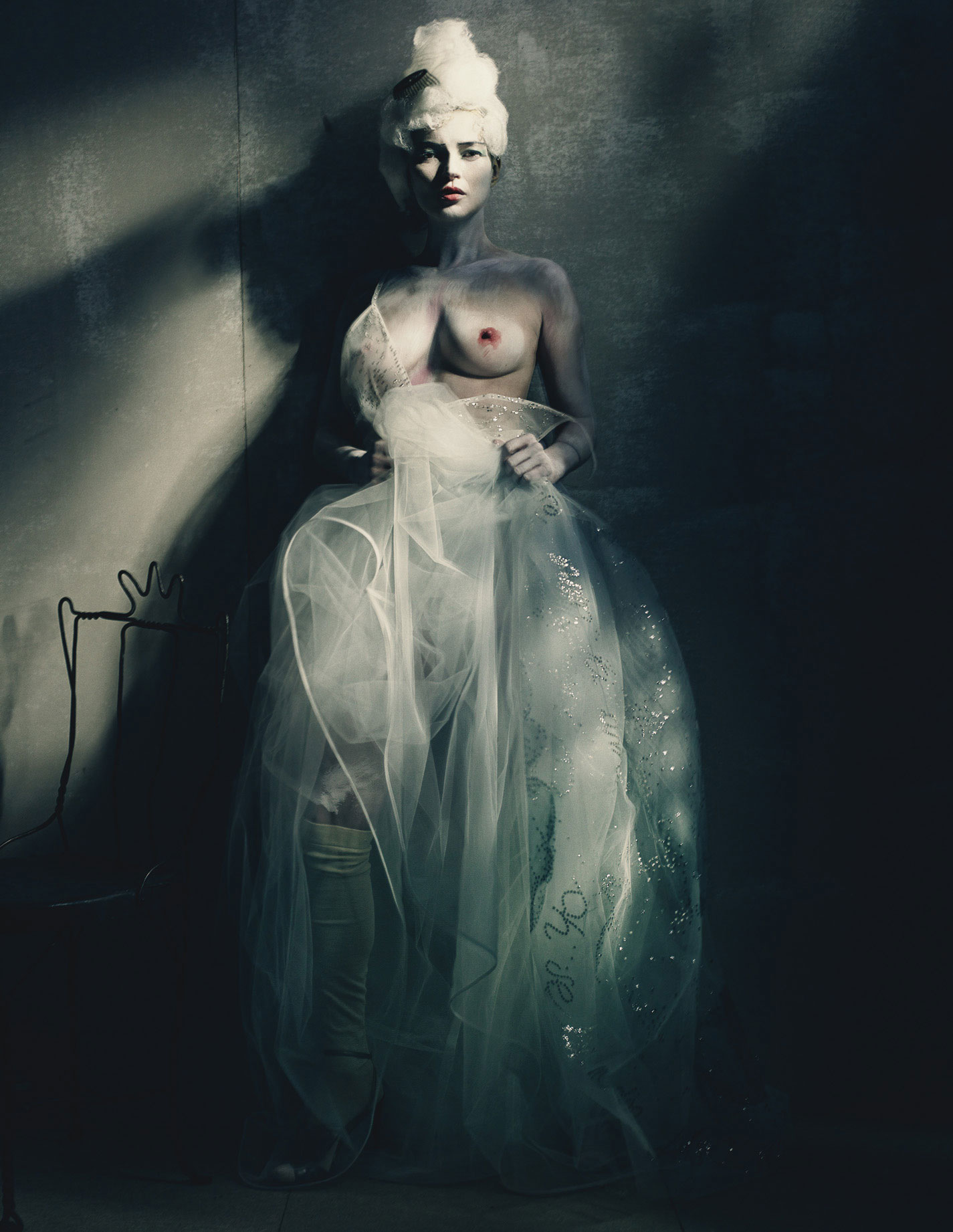 The Art of Dress: Kate Moss as the Painted Lady, W Magazine, March ...